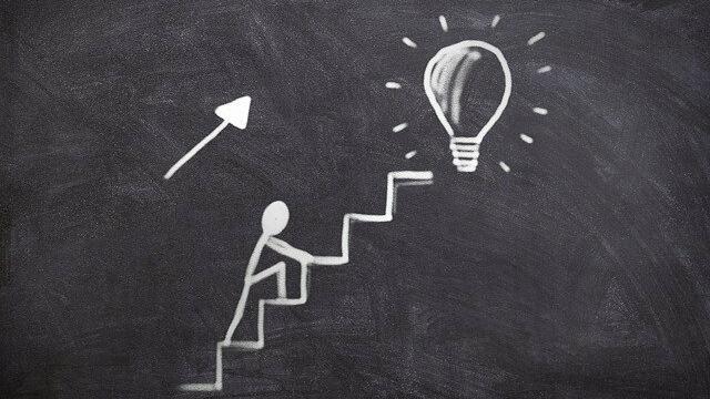 Pierwsze kroki we własnym biznesie / Projektor Kariery